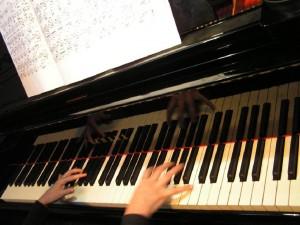 L'échange est la loi de la vie dans Messages de sagesse 780-piano-pianiste-partition-300x225